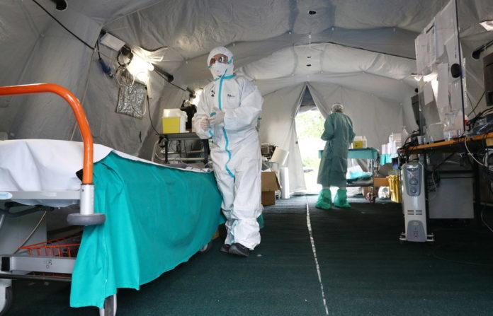 Lekarze w oddziale polowym