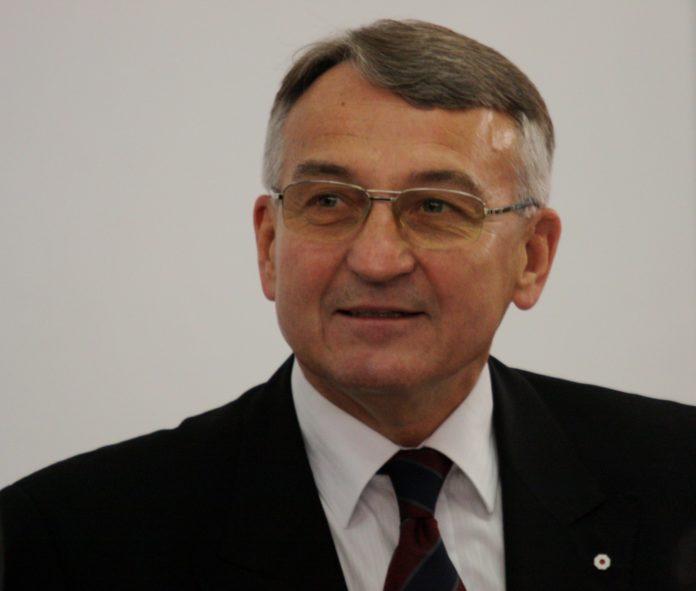 dr Dariusz Grabowski