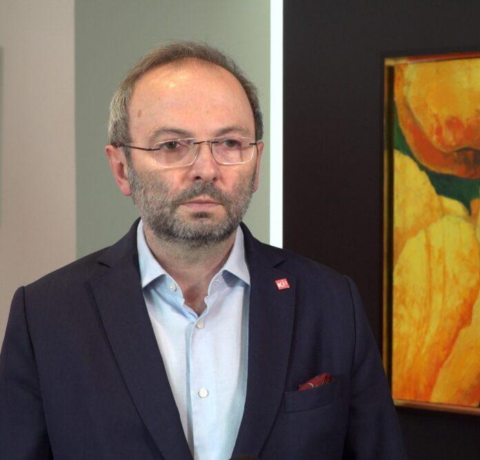 prof. Maciej Krawczyk