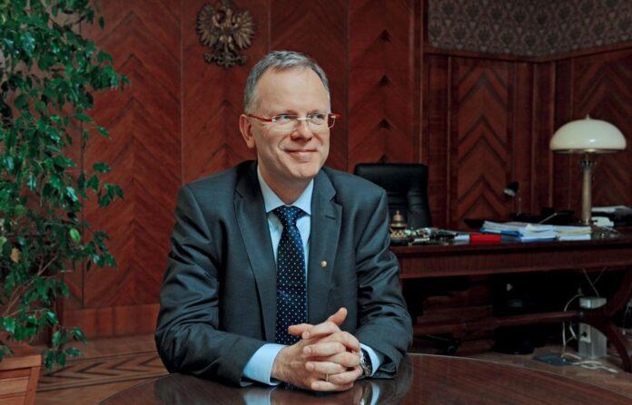 prof. Paweł Rowiński
